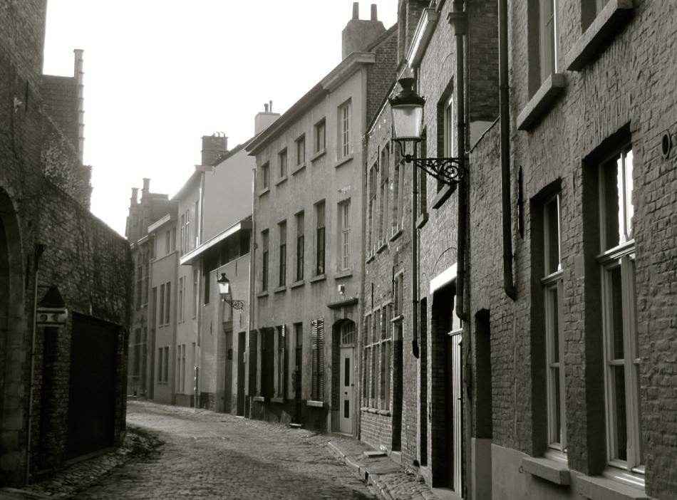Les rues désertées de Bruges